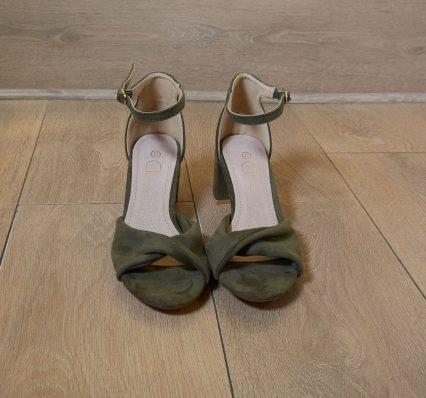 sandales kaki